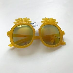 Old Navy NWT pineapple sunglasses fits 2-4Y